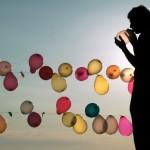 Балонът, който си подаваме